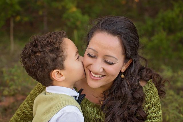 matka a syn v lese