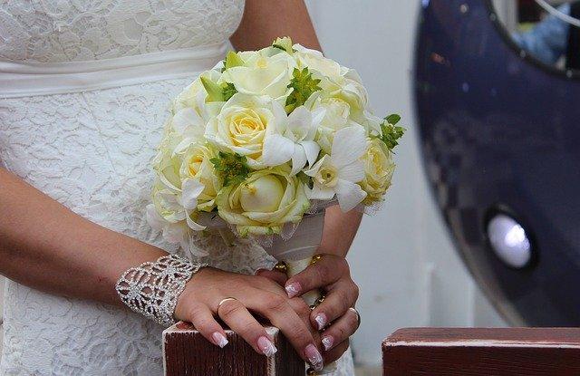 Svatební šaty – zdlouhavé téma