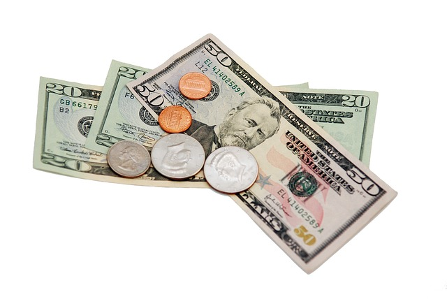 bankovky, mince